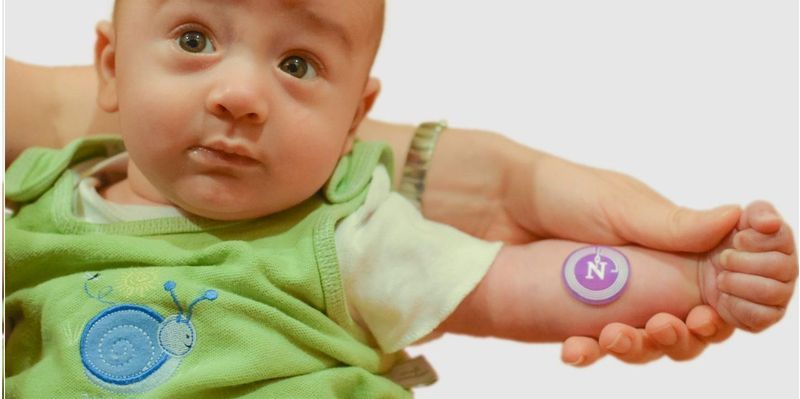 """""""Sweat Sticker"""" Diagnoses Cystic Fibrosis on the Skin in Real Time"""
