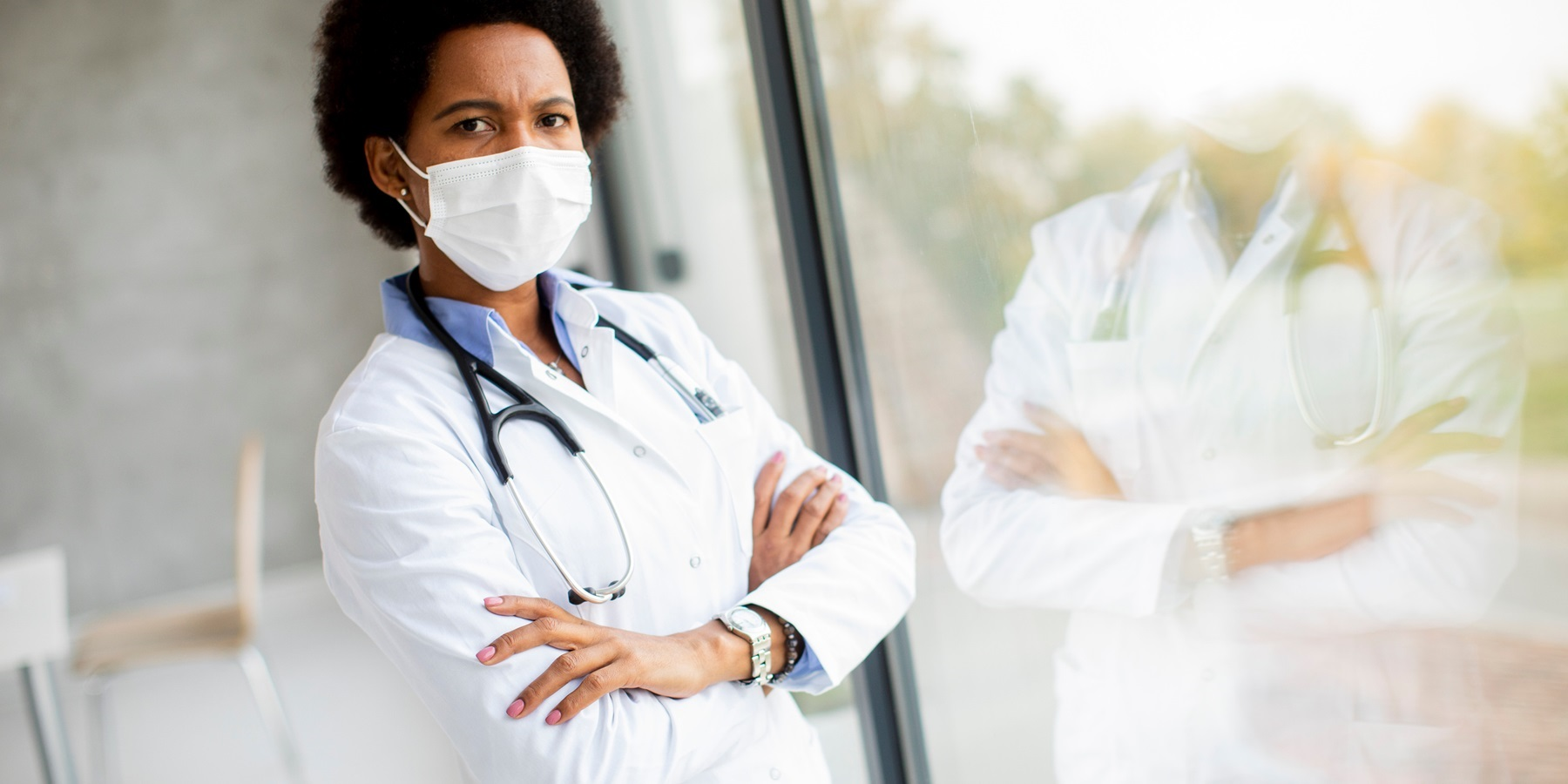 Screening Health Care Workers as an Early Warning for Pandemics